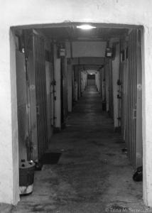 5D CHALLENGE HK Kowloon apt hallway BW_